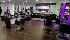 Mobilier Salon De Coiffure : trouver le mobilier de coiffure id al pour votre salon ~ Teatrodelosmanantiales.com Idées de Décoration