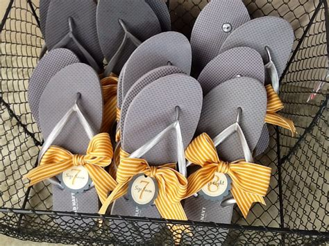 Flip Flop Size Tags For Wedding Guests // Custom Flip Flop