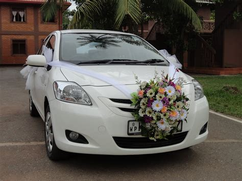 get a fantastic wedding car decoration right here flowerboutique