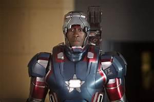 "SNEAK PEEK: ""Iron Man 3"": Cast and Crew 'Wrap' Poster"
