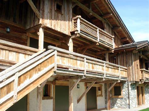 cuisine chalet bois gatto charpente chalets et menuiserie en haute savoie 74 construction vieux bois haute savoie