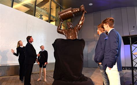 glenn scott edmonton the great one helped to unveil the new home for the