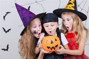 Gruselige Hexe Schminken : video halloween schminktipps f r die ganze familie ~ Frokenaadalensverden.com Haus und Dekorationen