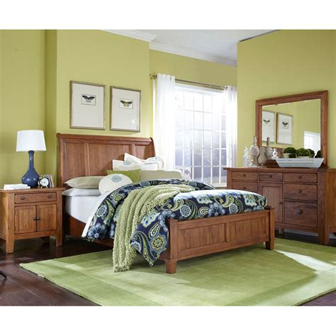 Broyhill Sleigh Bed by Broyhill Sleigh Bed Attic Heirlooms Sale Bedroom Hickory