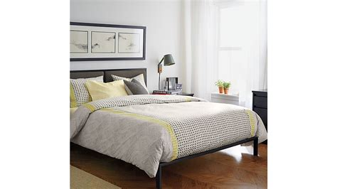 Oliver Queen Bed + Reviews