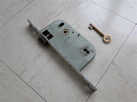 changer serrure porte chambre changer une serrure porte d entree 0 changement serrure