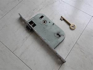 Changer une serrure porte d entree evtod for Changer serrure porte entrée