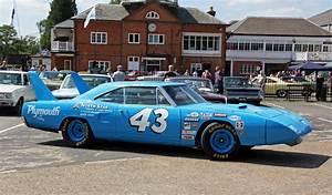 Richard Automobile : 1970 plymouth superbird richard petty replica 23 flickr ~ Gottalentnigeria.com Avis de Voitures