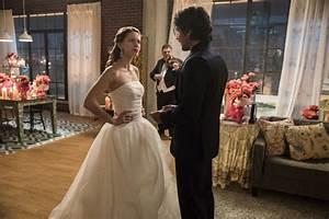 'Supergirl' season 2 photos: Alex, Maggie's Valentine's ...