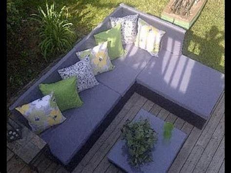 comment construire  canape de palette pour le jardin