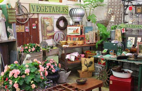 monticello antique marketplace lets  shopping