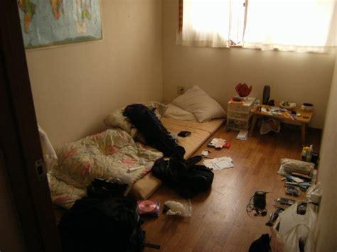mon chambre deja l 39 heure de quitter ma chambre mon bordel a moi