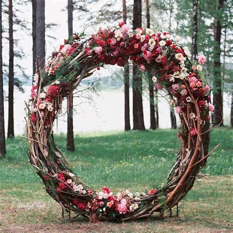 18 Circle Ceremony Arch Wedding Decoration Ideas Pretty