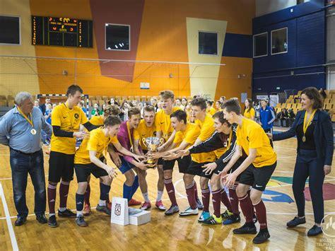 Noslēdzies Rīgas skolu telpu futbola kauss 2018 | riseba.lv