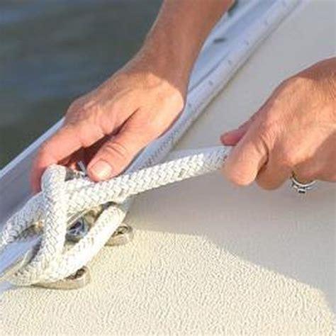 How To Tie A Tube To A Pontoon Boat by Best 25 Pontoon Stuff Ideas On Pinterest Pontoon