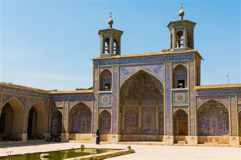 lincroyable mosquee rose nasir ol molk en iran  ses