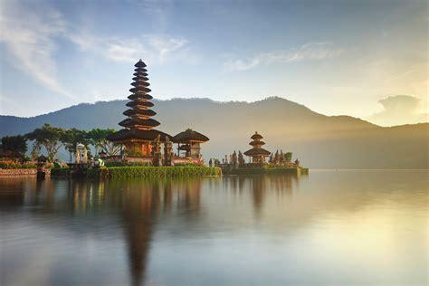 enter indonesia getaway trekking