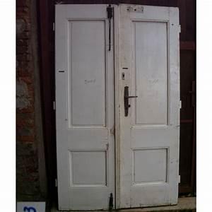 Dvoukřídlé vchodové dveře dřevěné