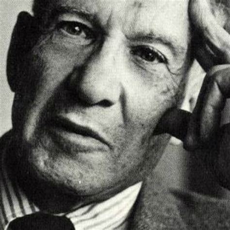 Have a look inside the mind of the father of modern management. Filosofía de Peter Drucker en el management | BELOW THE LINE, RETAIL | Revista InformaBTL