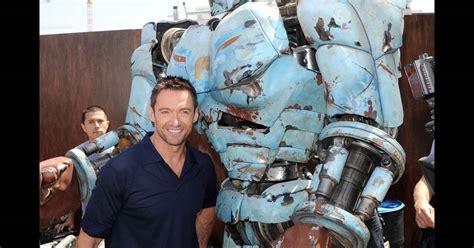 Hugh Jackman et son pote le robot - Puretrend