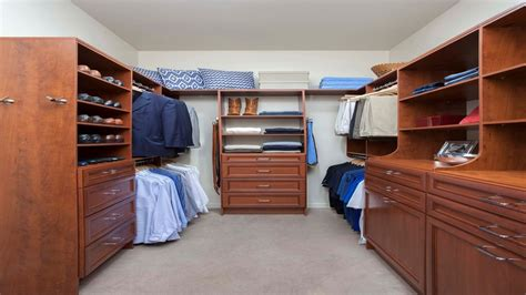 Lowes Closets by Lowes Closet Cabinets Lowe S Closet Organization Ideas