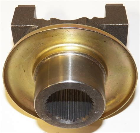 Chrysler 8 25 Yoke by 7260 Series Dodge Chrysler 8 75 Quot Diff 29 Spline Pinion
