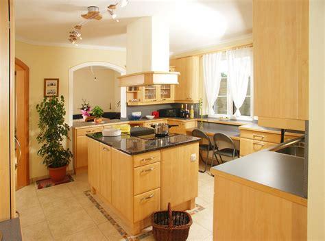 Die Kücheninsel  Stilvolle Küchenform Mit Optischem Highlight