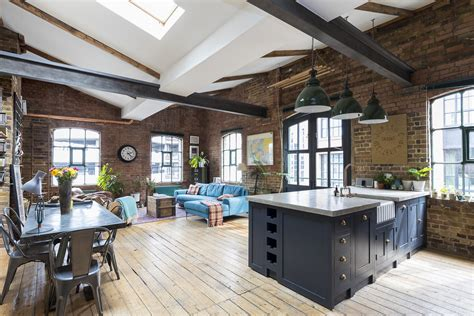 Industrial Penthouse In Shoreditch, London