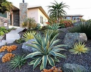 grosse pierre pour jardin km07 jornalagora With decorer son jardin avec des galets 1 1001 idees et conseils pour amenager une rocaille fleurie