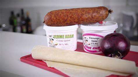 recette de flammekueche ou tarte flambée à la saucisse de