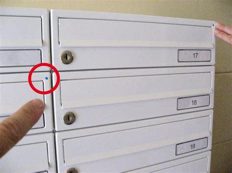 Wie Markieren Einbrecher Häuser by Kleine Blaue Punkte Auf Den Hausbriefk 228 Sten Beunruhigen