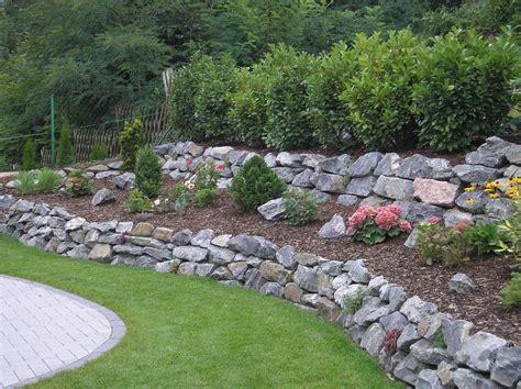 Garten Und Landschaftsbau Odenwald by Trockenmauer Aus Natursteinen Palisadenmauer Gartenbau