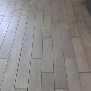 pose de carrelage imitation parquet dootdadoocom With carrelage type parquet