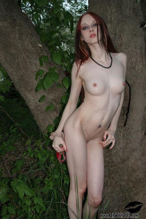 Goth Redhead Liz Vicious Porn Photo EPORNER
