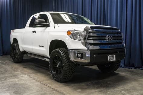 tundra truck used lifted 2017 toyota tundra sr5 4x4 truck for sale 37341