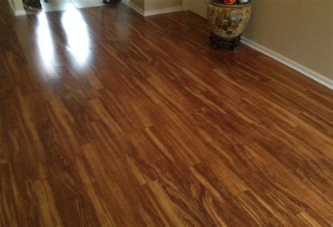living room pergo xp in hawaiian curly koa pergo conceptualtilesolutions woodlaminant