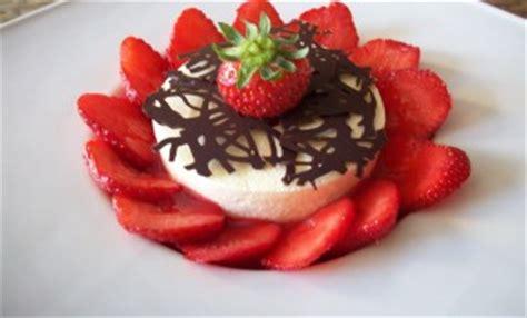 mousse au citron et coeur coulis de fraises recettes de desserts plus de 1000 recettes