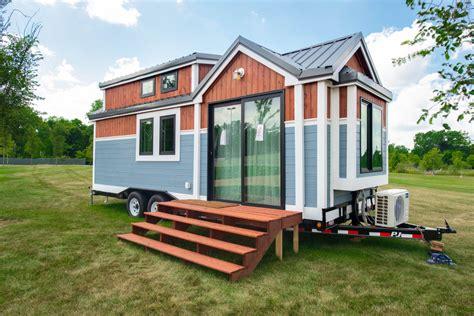 re max tiny house to help tiny tots