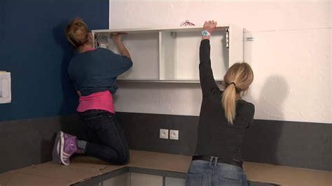 suspension meuble haut cuisine affordable pose des meubles hauts gamme les tentations