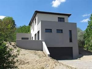 maison contemporaine sur terrain en pente kirafes With plan maison demi niveau 3 neuviliare maison moderne 224 demi niveau
