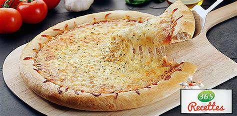 cuisiner du blanc de poulet recette pizza au fromage blanc fait maison