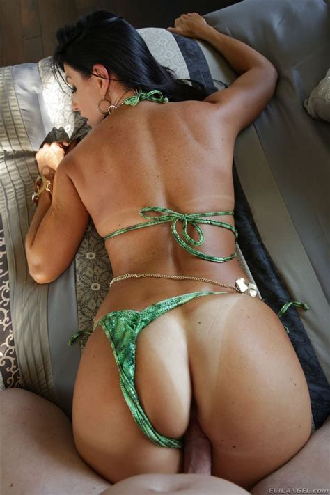 India Summer Gets Drilled In Her Sexy Green Bikini Evil