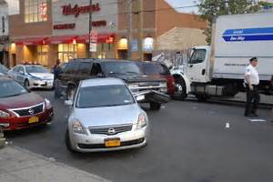 Man being chased by cops hits several cars, gets shot in ...