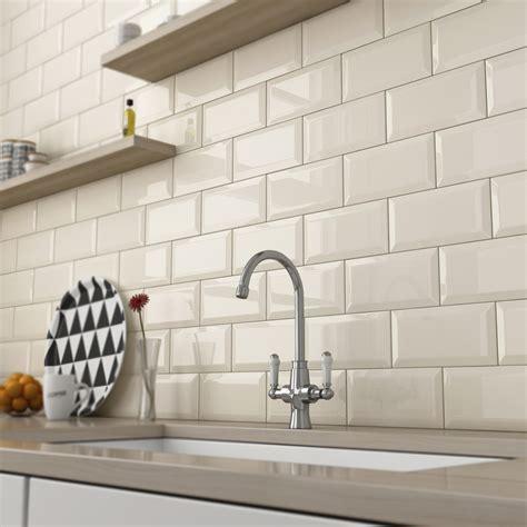 Modern Kitchen Wall Tiles : Saura V Dutt Stones   Ideas Of