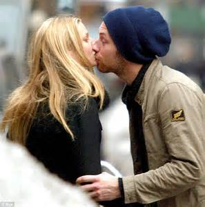 Chris Martin dropped hint about Gwyneth Paltrow split 14 ...