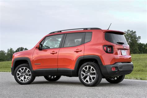 Jeep Renegade Photo 2016 jeep renegade review picture 666122 car review