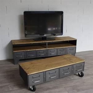Table Basse Bois Industriel : table basse industrielle avec 4 anciens tiroirs de l 39 administration ~ Teatrodelosmanantiales.com Idées de Décoration