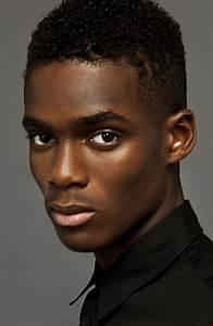 Coiffure D Homme : 7 styles pour cheveux afro d 39 homme t afro coiffure coupes pour homme et femme black ~ Melissatoandfro.com Idées de Décoration