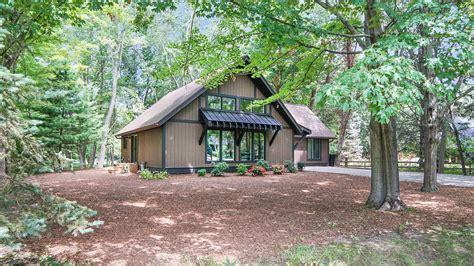 wake robin lakeshore lodging