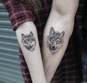Tatouage Homme Original : tatouage loup femme connotations et 40 id es sur les emplacements et les dessins ~ Melissatoandfro.com Idées de Décoration